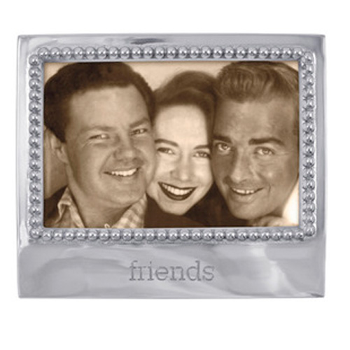 Mariposa l Friends Statement frame